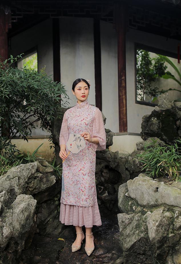 30岁的女性合适穿什么风格旗袍?-幽兰花香