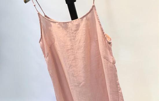 吊带裙太透了怎么办? 吊带裙搭配什么外套-幽兰花香
