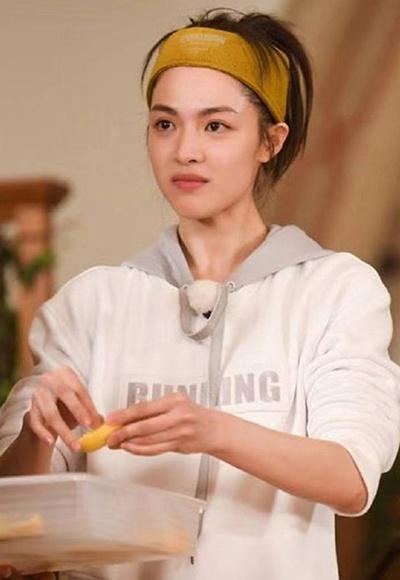 为什么你戴发带显土?刘诗诗孔雪儿美出新高度-幽兰花香